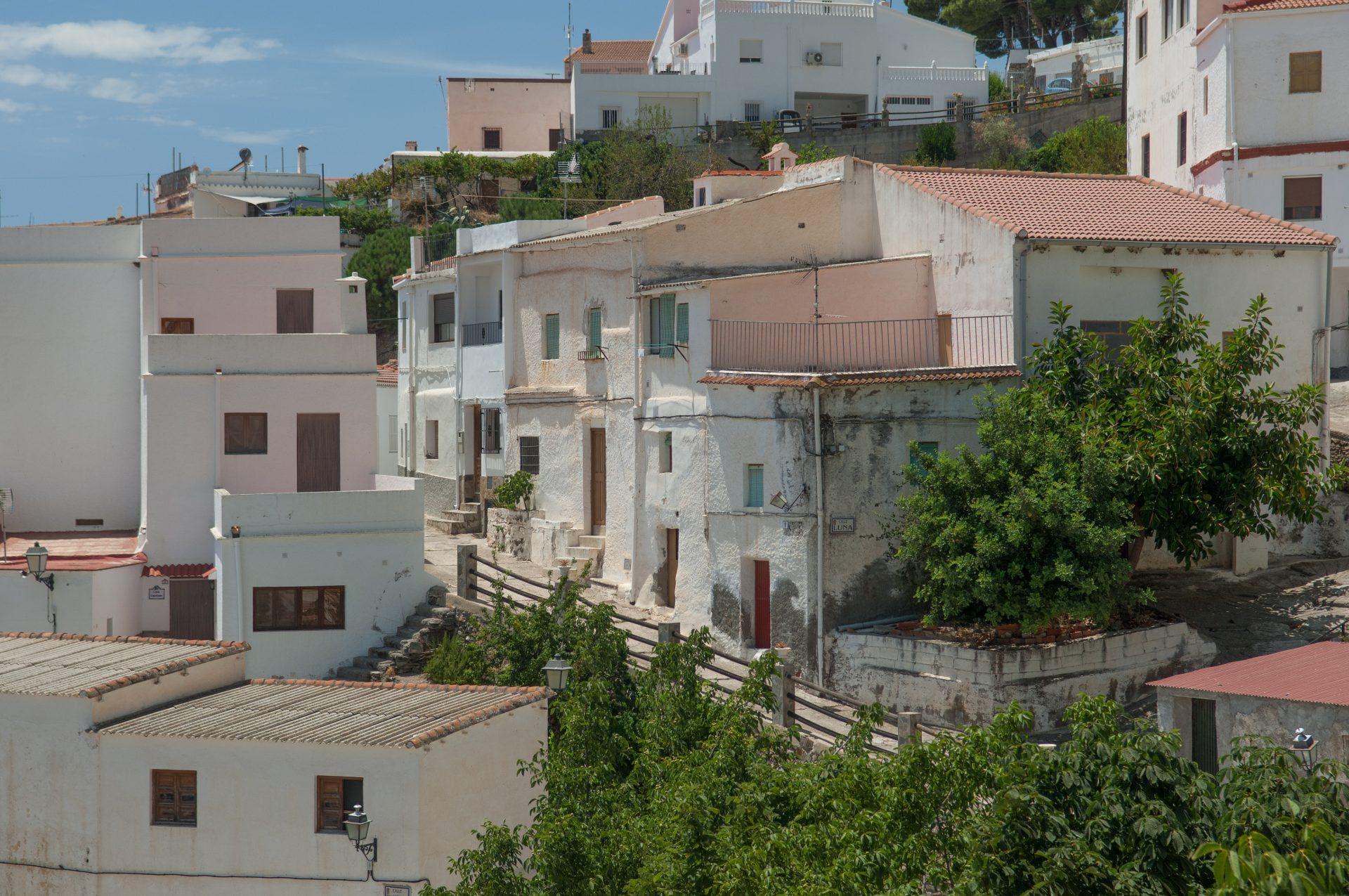 Spanjeliefhebbers maakt een live verslag van het Spaanse dorp Polopos
